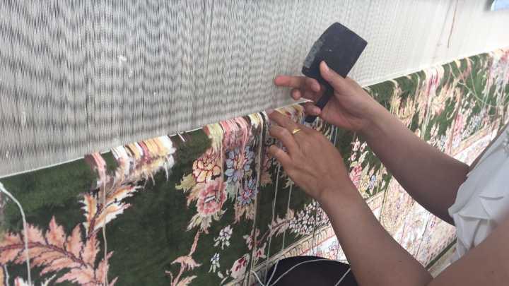 波斯手工真丝地毯